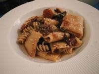 義式紅酒慢燉牛肋條寬管麵