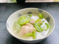 雞塊絲瓜湯。桂丁土雞切塊