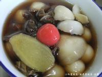 小吟愛做菜~黑薑桂圓百合甜湯