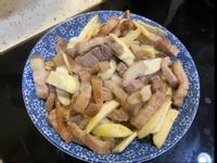 皎白筍炒豬肉