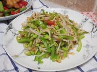青椒豆芽炒碎千張