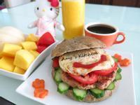 早午餐-自製漢堡肉