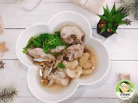 菱角菇菇雞湯~香嫩又美味