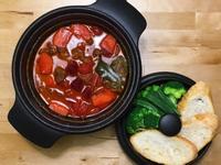 甜菜根蔬菜燉牛肉湯