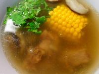 老丹~[把愛通通加進來]當歸香菇玉米排骨湯