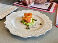 開胃菜-蒔蘿鮭魚酸豆佐酪梨醬