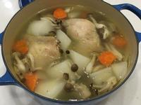 蘿蔔鮮菇雞湯