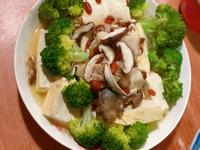 枸杞豆腐香菇雞(電鍋料理)
