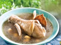 黑豆蓮子雞腿湯