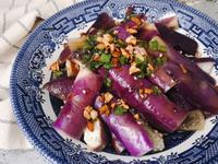 【 家常菜 】鮮豔紫色涼拌茄子
