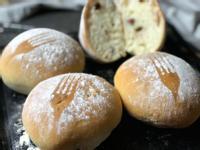蔓越莓堅果Q軟歐式麵包。無蛋奶低糖油