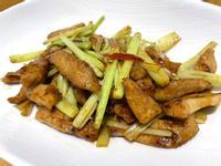 芹菜炒松阪肉