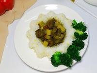 咖喱牛排丁蓋澆飯
