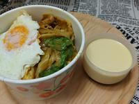 豬肉咖哩蕎麥炒麵