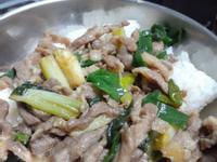 蔥爆豬肉飯
