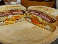 火腿培根三明治