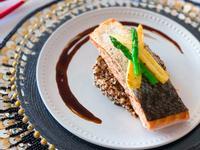 西式主菜🐟鹽煎脆皮三文魚伴藜麥雙色荀