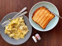 起司炒蛋吐司大早餐(冰箱沒菜版)