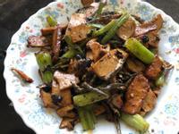 下酒菜:小魚豆乾炒豆鼓