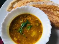 印度Sambar酸豆(羅望子)扁豆蔬菜湯