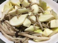 (全素蔬食)鴻喜菇炒茭白筍