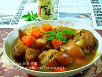 【大吟釀薄鹽醬油】紅蘿蔔滷豬腳
