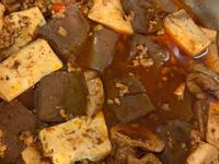 在法國做鴨血大腸豆腐煲