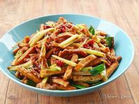 芹菜豆干肉絲小炒
