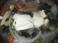 電鍋蕃茄洋蔥海帶芽魚湯