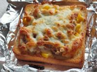 焗烤玉米鮪魚土司pizza