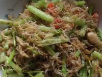芹菜炒魩仔魚