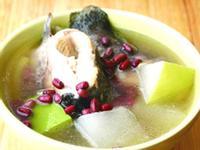 冬瓜赤小豆煲生魚湯【清熱解毒,利尿去濕】