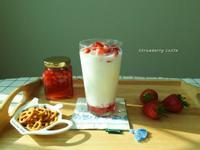 鮮草莓拿鐵