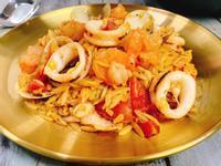 義想不到番茄海鮮米形麵