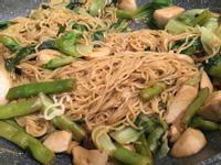 (全素蔬食)菜豆杏鮑菇炒撈麵
