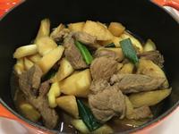 梅花肉燒皎白筍