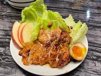 減醣料理-雞腿排生菜餐