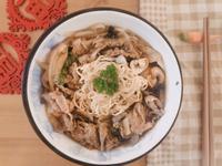 壽喜燒滑嫩肉燥炒泡麵