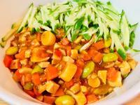 蔬食炸醬麵