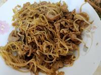 豆芽菜炒梅花肉片