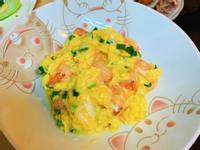 嫩嫩的蝦仁滑蛋