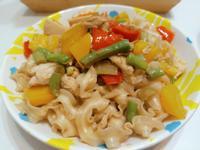簡單快速料理~雞肉時蔬拌麵~好吃