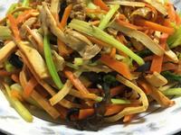 什錦蔬菜絲炒雞絲