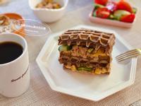 鮪魚玉米小黃瓜起司鬆餅+巧克力蜂蜜鬆餅