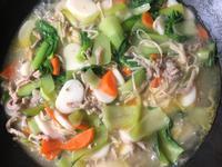 豬肉蔬菜年糕湯