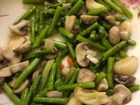 蘆筍炒洋菇