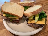 醃燻牛肉三明治