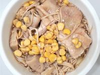 玉米金針菇雞腿