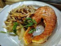 香煎鮭魚佐鮮菇(平底鍋)