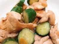 小黃瓜炒雞肉片